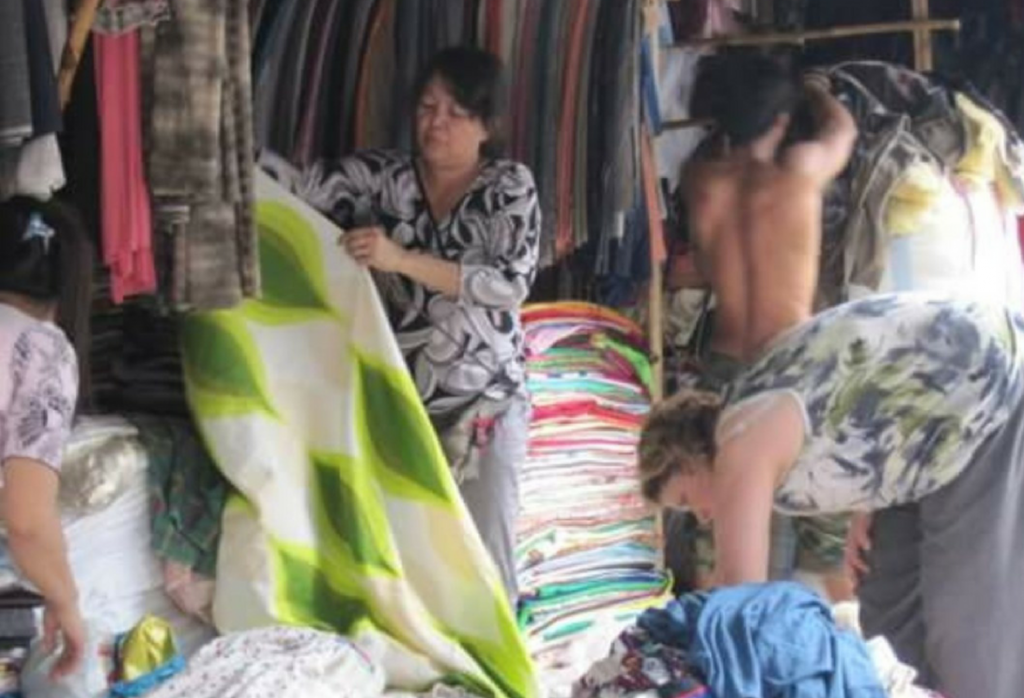 Cambodian Fabric Market