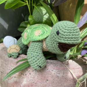**SOLD OUT** Mamma Turtle + Baby Turtle + Egg